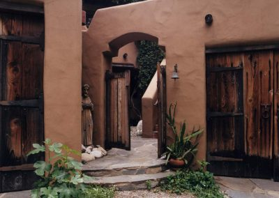 Adobe de la Vista Courtyard
